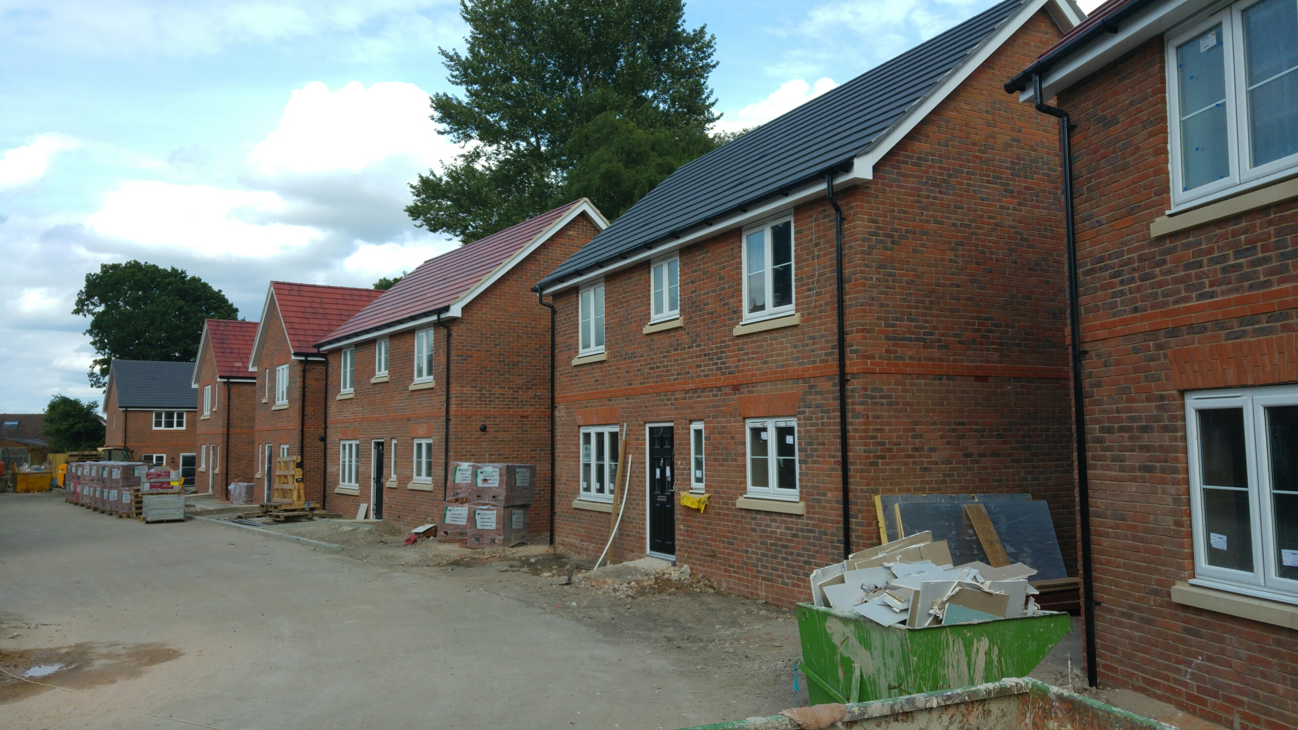 Springwood close burghfield common belgrave homes for Homes in the us